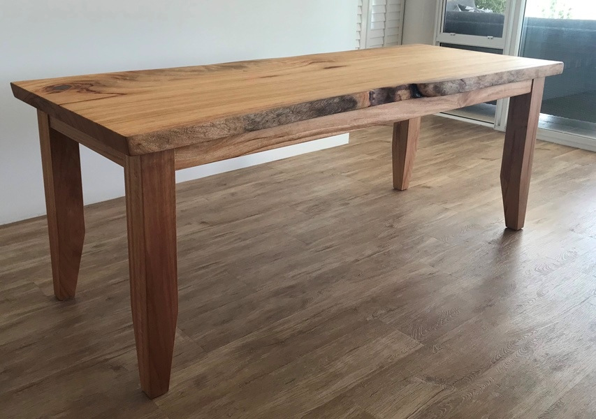 Camphor Laurel Table 4